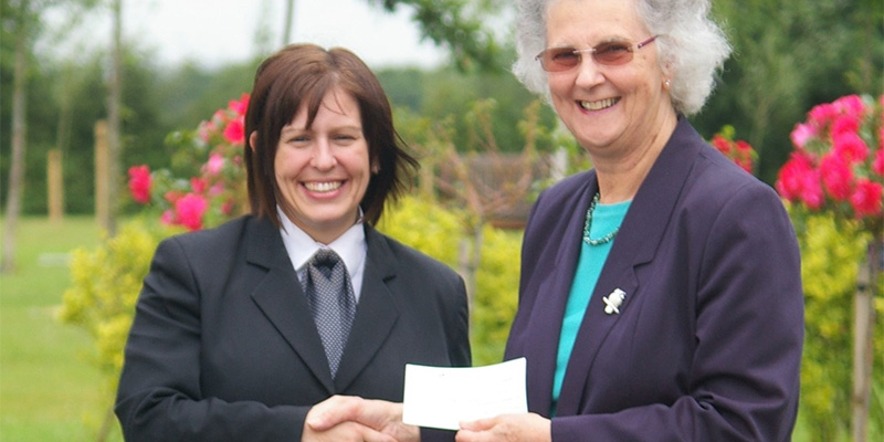 Eastleigh Bereavement Services receive donation of £984.95.